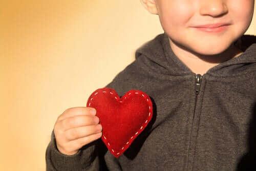 مفاتيح تعزيز تقدير الذات في الأطفال