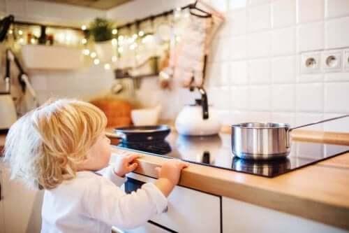 حروق الأطفال - أنواعها، كيفية علاجها وما يجب تجنبه