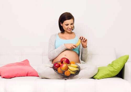 مخاطر النظام الغذائي الغني بالسكر خلال فترة الحمل