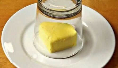 زبدة الثوم اللذيذة ستحسن مذاق وجباتك