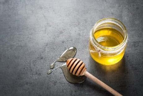 شراب العسل بالليمون