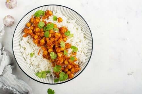 وصفة الحمص بالكاري مع الأرز البسمتي