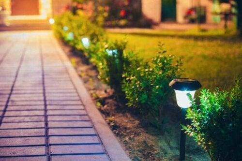 كيف تصنع فوانيس خارجية لتزيين حديقتك