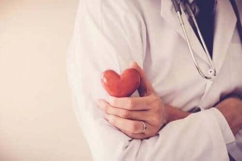 الذبحة القلبية - 5 عادات صحية تساعدك على تجنبها
