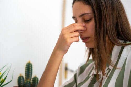 ثقب الحاجز الأنفي – اكتشف معنا المسببات والأعراض ووسائل العلاج