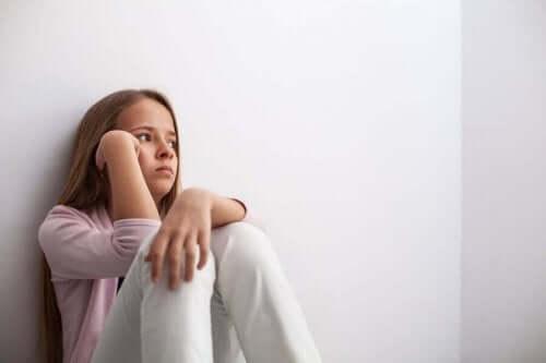 كيفية التعرف على حالة الاكتئاب بين المراهقين