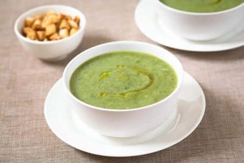 حساء الكوسا والثوم لتحفيز جهاز المناعة