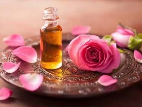 زيت الورد