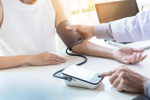 5 تمارين مناسبة لمن يعانون من مرض ارتفاع ضغط الدم