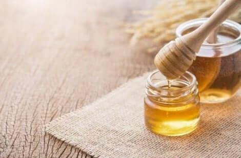 العسل وعلاج التهاب الفم القلاعي
