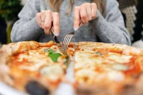 كيف تحضر بيتزا نابوليتان لذيذة