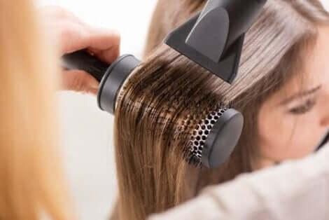 الحفاظ على صحة ونعومة الشعر