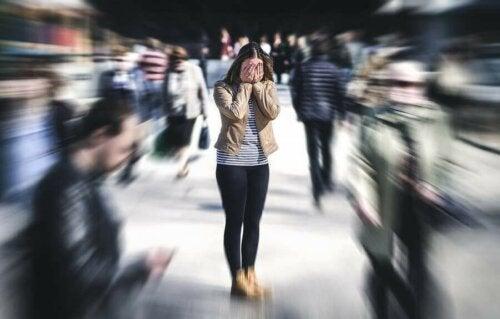 5 طرق للتعامل مع القلق الاجتماعي