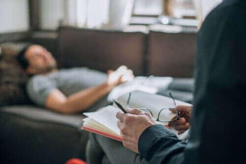 التحليل النفسي - اكتشف معنا اليوم ما هو وكيف يتم