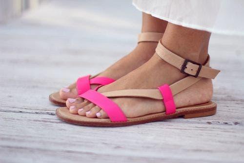ارتداء أحذية مفتوحة