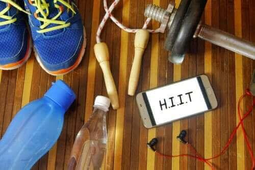 التدريب المتواتر عالي الكثافة (HIIT) للمبتدئين: نصائح وتمارين موصى بها