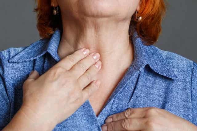 الآثار المترتبة على جراحة استئصال الحنجرة